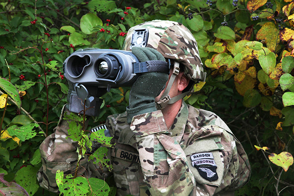 soldier using a range finder